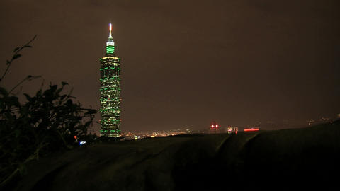 taipei 101 tower timelapse slider at night Stock Video Footage