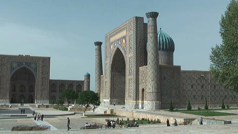 Tylia-Kori And Sher-Dor Madrasah At Registan Square In Samarkand stock footage