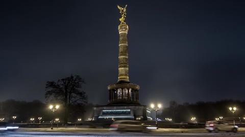 Hyperlapse   Berlin Victory Column Footage