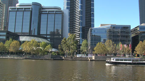 Tilt Eureka tower to yarra river in melbourne Stock Video Footage
