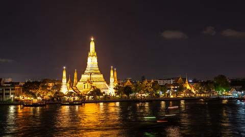 1080 - WAT ARUN TEMPLE AT NIGHT - Bangkok Timelaps Stock Video Footage