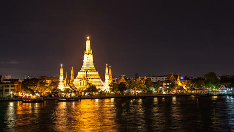 1080 - WAT ARUN TEMPLE AT NIGHT - Bangkok Timelaps Footage