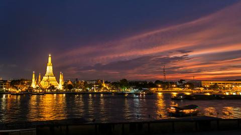 1080 - WAT ARUN TEMPLE AT SUNSET - Bangkok Timelap Stock Video Footage
