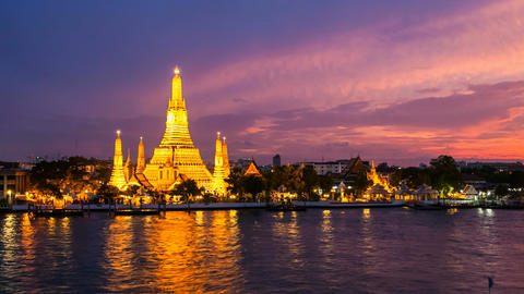BANGKOK TEMPLE OF DAWN - TIME LAPSE stock footage