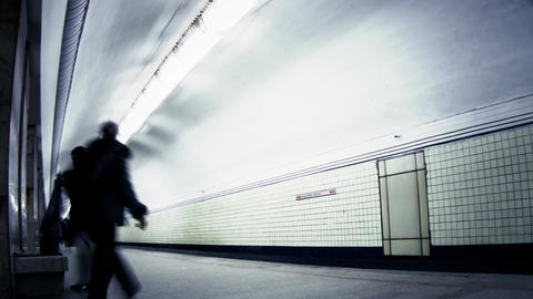 People wait for the train on the Universitet metro... Stock Video Footage