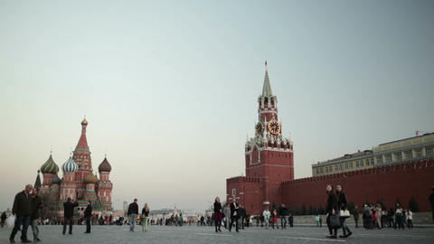 People walking in Red square in Moscow ライブ動画