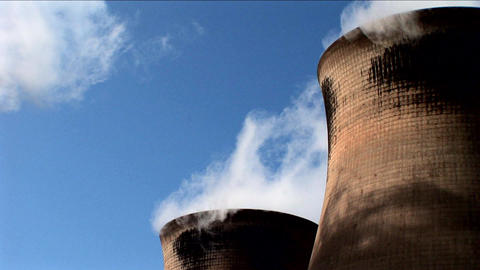 Power station smoking and producing electricity Stock Video Footage