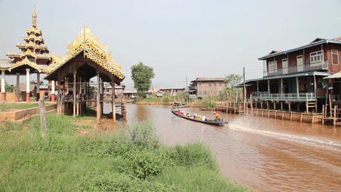 Boats at the Ywama pagoda Stock Video Footage