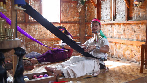 Long neck woman on Inle lake Footage