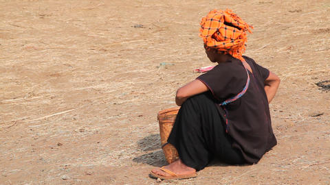 Paoh woman at the Taung Tho Market Stock Video Footage