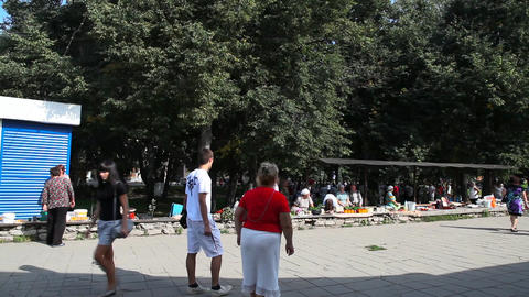 Market on central plaza in Suzdal city Stock Video Footage
