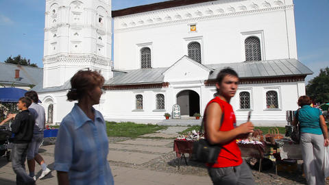 Temple on central plaza in Suzdal city Stock Video Footage