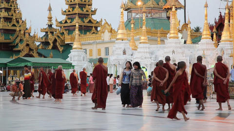 Visitors in Shwedagon Pagoda in the evening Footage