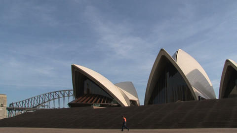 Opera House zoom-out Footage