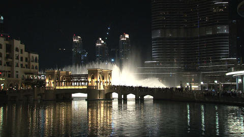 Burj Khalifa tilt to Dubai fountain Footage