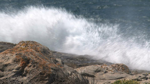 Waves collide at the rocks at Kangaroo Island Stock Video Footage