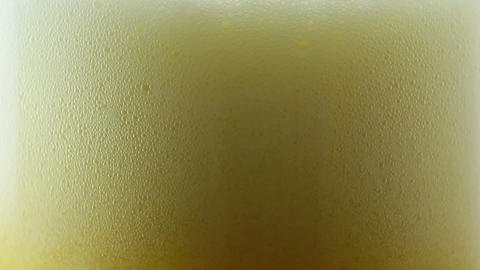 Pouring beer ビデオ