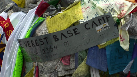 Sign to Everest basecamp Stock Video Footage