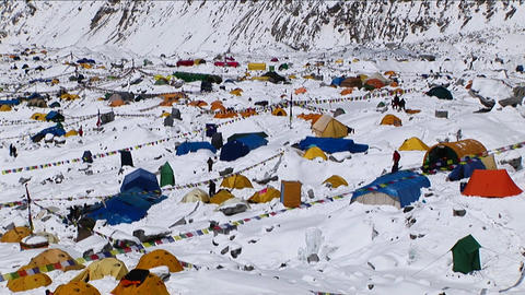 Zoom in on Everest basecamp Footage