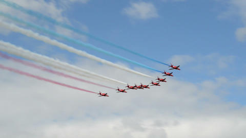 Red Arrows start airshow 10992 Footage