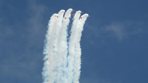 Red Arrows jet formation nosedive 10998 Stock Video Footage