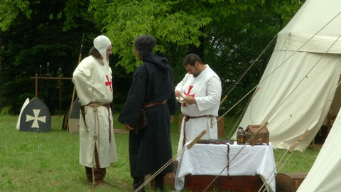 medieval encampment 12 e Stock Video Footage
