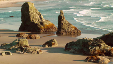 Sea stacks on Bandon Beach Stock Video Footage