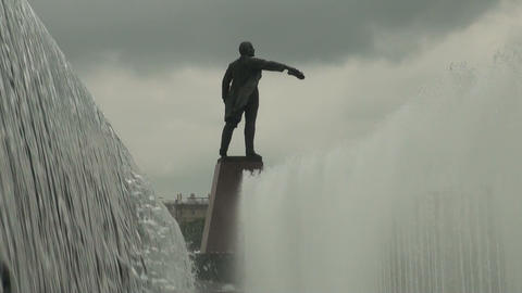 Fountain with the statue of Lenin Stock Video Footage