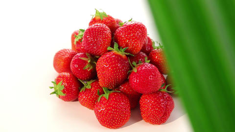 ripe strawberry - dolly shot of strawberries Stock Video Footage
