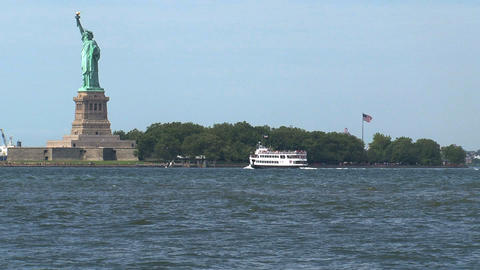 Statue cruises on his way to The Statue of Liberty Stock Video Footage