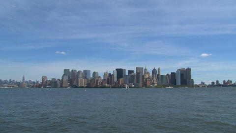 Zoom out from lower manhattan Stock Video Footage