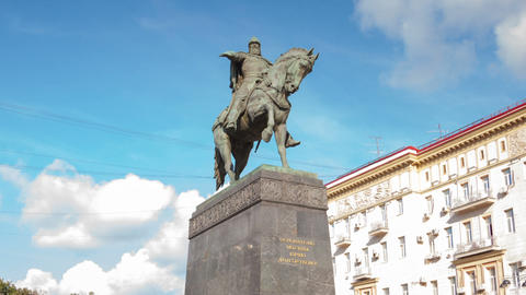 Monument to Yuri Dolgorukiy in Moscow city hyperla Stock Video Footage
