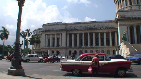 Havana Capitolio Nacional pan en tiltshot Stock Video Footage