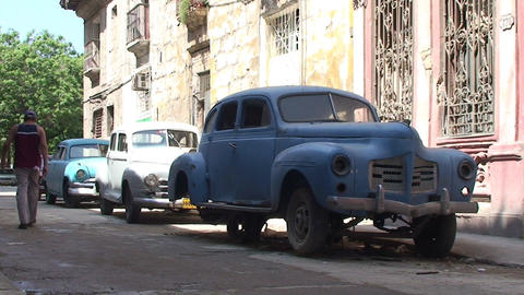 Havana Colonial buildings oldtimers streetview Footage