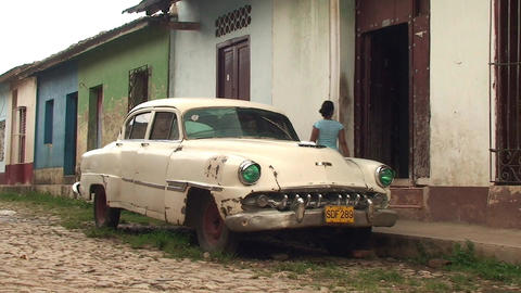 Trinidad Streetview oldtimer 3 Stock Video Footage