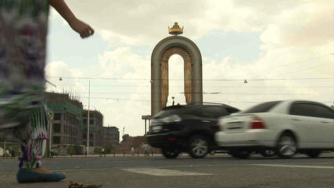 Somoni Statue Cars Dushanbe Tajikistan Stock Video Footage