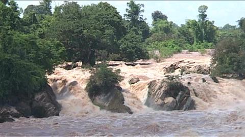 Don Khong Phapeng waterfall Stock Video Footage
