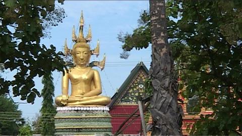 Don Khong Wat Jom Thong temple Stock Video Footage