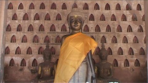 Wat Si Saket temple, buddhas Stock Video Footage