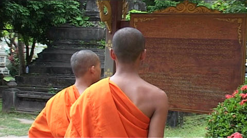 Wat Si Saket temple, monks Stock Video Footage