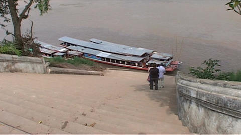 Luang Prabang, longboats Stock Video Footage