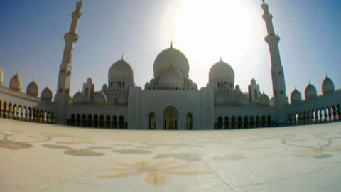 Fisheye tilt to reveal the beautiful Sheikh Zayed Stock Video Footage
