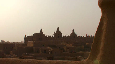 Zoom out from the famous mosque at Djenne, Mali Footage