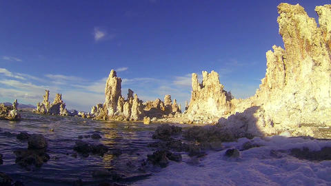 A traveling shot along the shores of Mono lake in Stock Video Footage