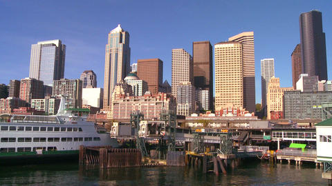 The city of Seattle as seen from the ferry approac Stock Video Footage