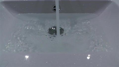 Filling Bathtube 3