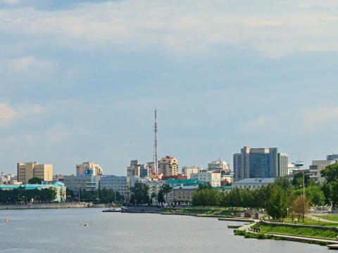 Central pond. Around skyscraper. Panning. Russia, Stock Video Footage