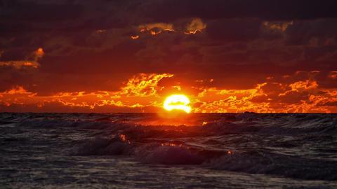 Sun in sea Stock Video Footage