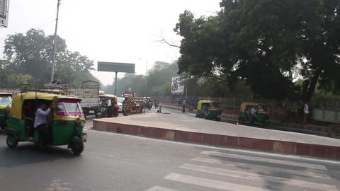 traffic on indian street in Agra Stock Video Footage