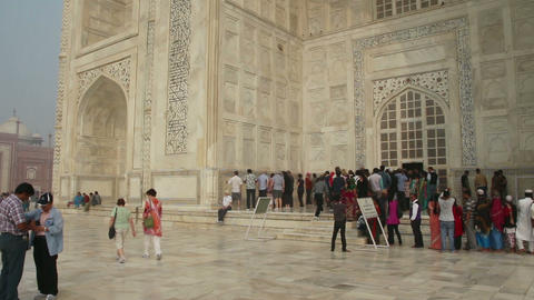 tourists in Taj Mahal - famous mausoleum in Agra I Stock Video Footage
